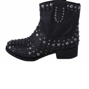 MIA LIMITED EDITION BLACK LEATHER BOOTS